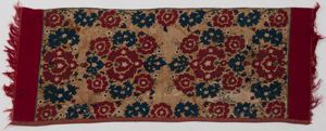 Image of Table runner with floral motif