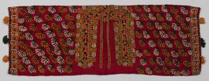 Image of Coverlet with tassels and flower pattern