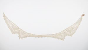 Image of Lace collar: Brussels rose point or Point de Gaze with four scallops