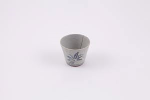 Image of Blue and white soba (buckwheat noodle) sauce cup
