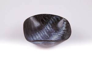 Image of Bowl with brushed glazed decoration